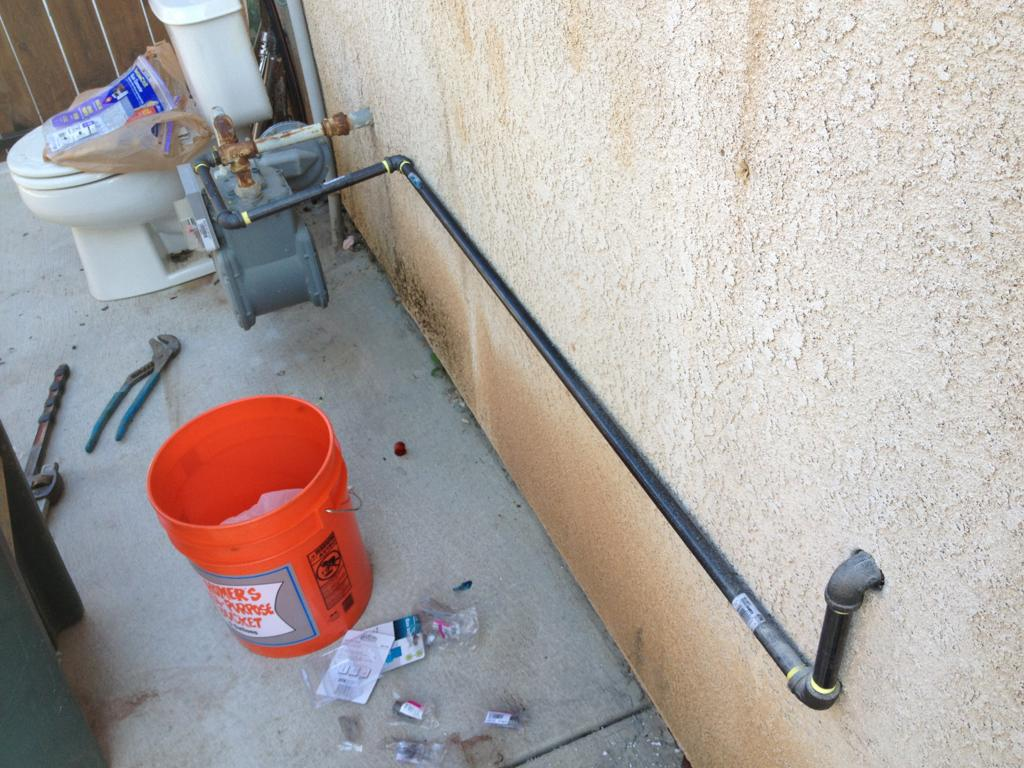 how to run natural gas line from house to garage